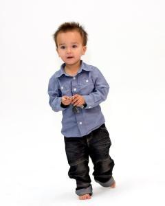 Xavier, totalement habillé par les friperies